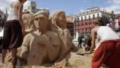 vista previa del artículo Una escultura de arena por el siglo de existencia de la Casa Consistorial