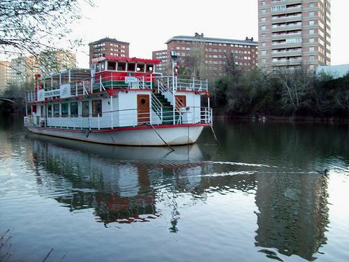 Embarcación Leyenda del Pisuerga